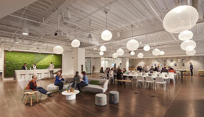 スプラウトはまた、オフィス環境を人々の投資にしたいと考えていました。新しいアメニティスペースは、従業員が仕事に興奮してお互いに関わり合うように作られました。