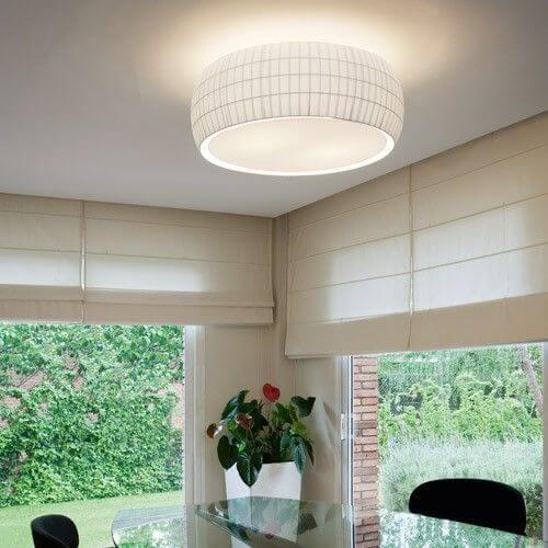 シーリングライトは一般的な照明で、空間全体をまんべんなく明るくしてくれるランプです。
