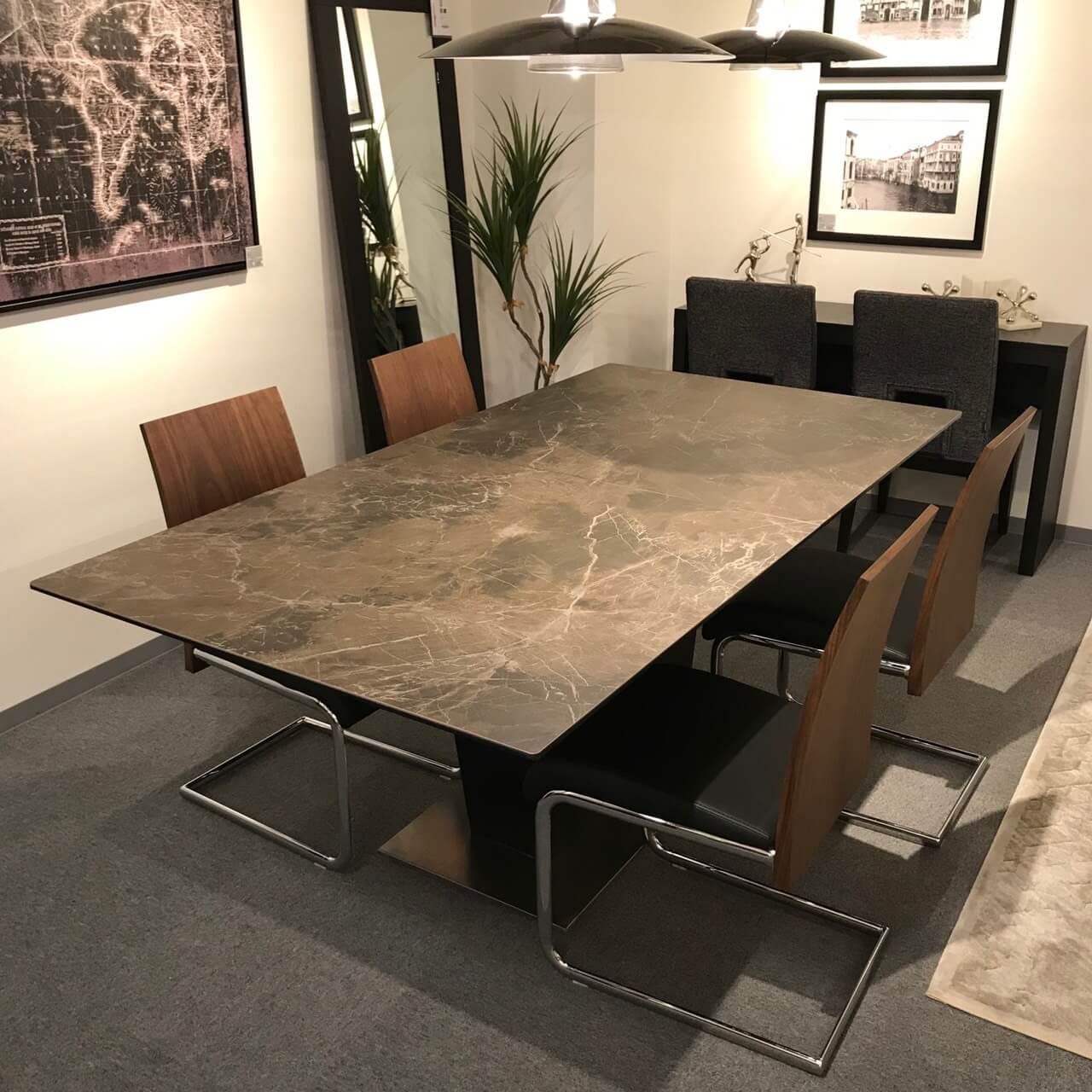セラミックダイニングテーブル 家具 名古屋 モダン