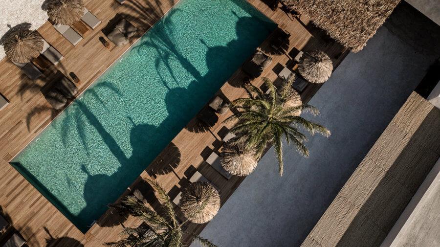 ラスティックモダンスタイルが素敵なギリシャのホテルのイメージ画像
