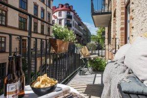 ヨーテボリの美しい明るいアパートのある街並み