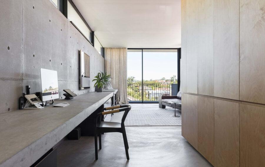 、シドニー・ハーバー・ブリッジで使用塗料で塗装- 3つのベッドルームには、スチール階段によってアクセスされる階レベルを埋めるに応じArchitectureau。その張り出した形は、プロパティのファサードをエコーします。