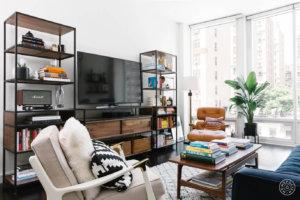 オープンラックをテレビボードとして使用。