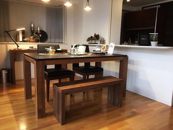 モダンインテリア・家具 songdreamの提案するWalnutのシンプルなデザインのダイニング用ベンチ
