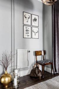 【海外インテリア43選】床が濃い色のフローリングを使用した部屋のおしゃれなインテリア実例紹介