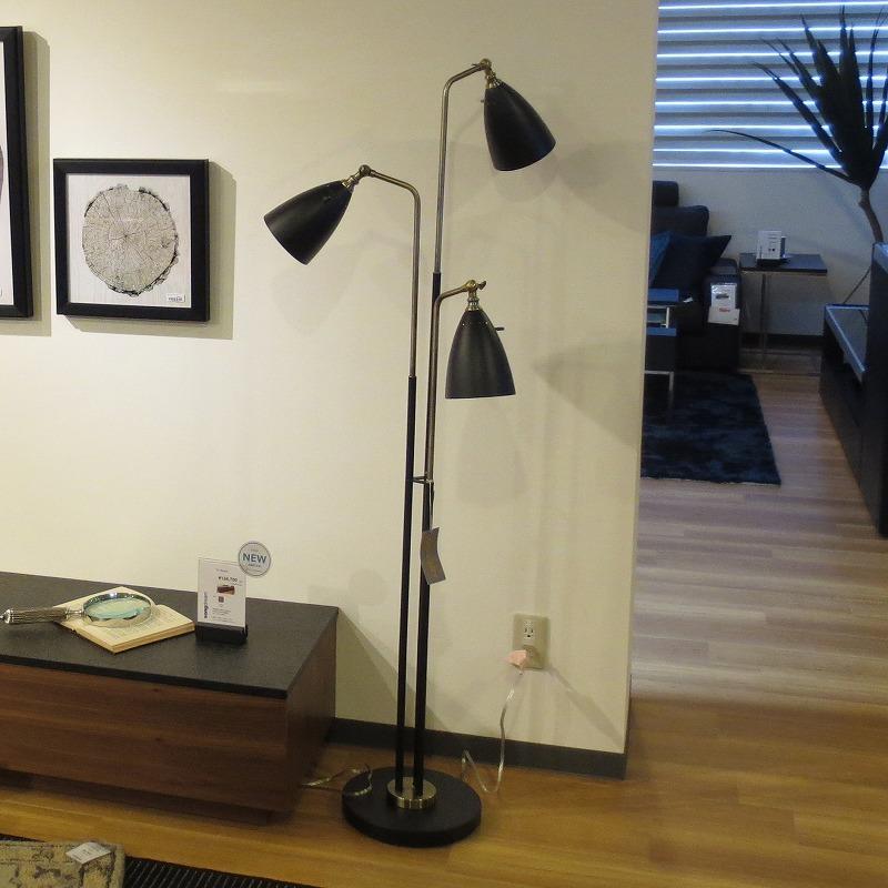 フロアランプ ブラック&真鍮3灯式