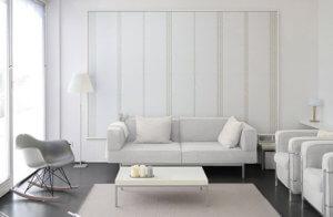 幾何学的なレリーフを、直線状にすっきりとコーディネートしました。 白やグレーなど低彩度の色で整えられたシンプルな空間に良く似合います。